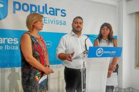 El PP pide la dimisión de la delegada de Educació por «mentir» a los padres