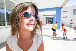 Profesores de la ONCE y Educació apoyan a alumnos con deficiencias visuales