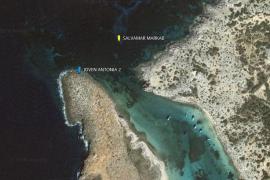 El barco Joven Antonia II embarranca en el islote de sa Torreta con 7 pasajeros y 4 tripulantes