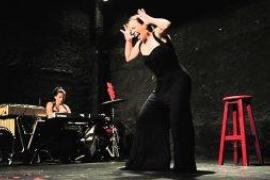 'Sola', píldoras de improvisación en el Teatre Sans