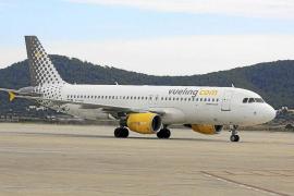 El número de pasajeros 'low cost' en el aeropuerto de Ibiza aumenta un 19%