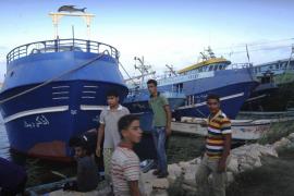 Decenas de muertos al naufragar un barco con 600 inmigrantes en aguas egipcias