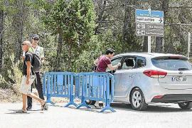 Sant Antoni prolonga el control de acceso a Cala Salada debido a la afluencia de coches