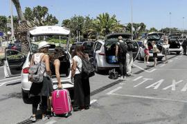 Sant Josep amplía el plazo de trabajo de los taxis estacionales hasta el 12 de octubre
