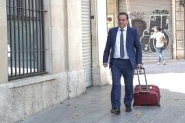 «El cese de Segura es un acto partidista fruto de presiones»
