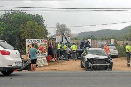 Herido grave un motorista en un aparatoso choque en la carretera de Santa Eulària