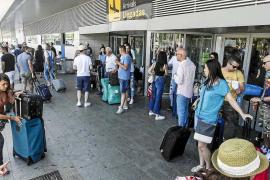 Ibiza y Formentera superan hasta agosto los 2,2 millones de turistas, un 10,6% más que en 2015