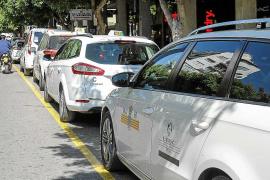 Los taxis estacionales de Sant Josep no podrán cargar clientes en Vila, Sant Joan y Santa Eulària