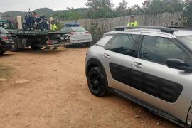 Dos motoristas heridos de diversa gravedad tras chocar contra un camión en Sant Joan