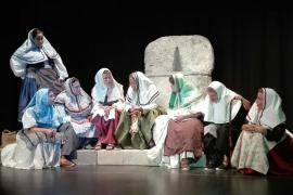 Historia de Esporles con 'Avall Frares!' en la Sala Dante