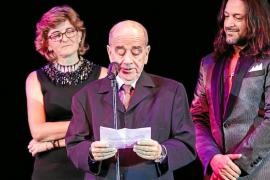 Solidaridad contra el cáncer al ritmo de cabaret de Lío