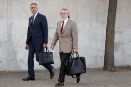 Insultos a la llegada de Bárcenas y Correa al juicio por el caso Gürtel