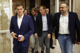 Rivera pide a Fernández que el PSOE anteponga a los españoles
