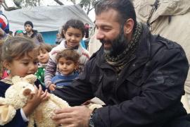 El 'contrabandista de juguetes' de Alepo, obligado a llevar su base bajo tierra por los ataques