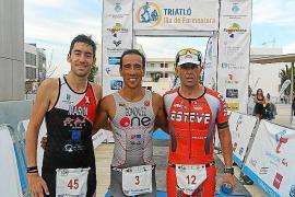 Dani González e Indre Barkute se llevan el Triatlón de Formentera olímpico