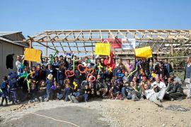 Música en Cala Comte para ayudar a que Amavida pueda construir un orfanato en Nepal