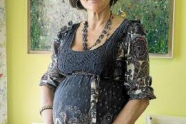 La doctora gallega embarazada a los 62 años da a luz a una niña