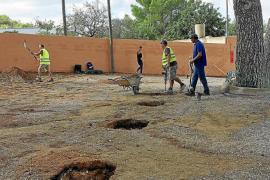 Los padres y la dirección del colegio de Sant Carles no quieren la ampliación