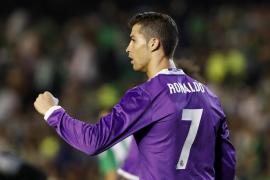Cristiano se reencuentra con el gol en la redención del Real Madrid