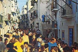 FannyTur: «La isla de Ibiza se ha sabido reinventar cada vez más hacia el abismo»