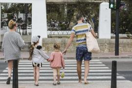 Deutsche und Spanier kommen auch gerne für einen Kurzurlaub nach Ibiza
