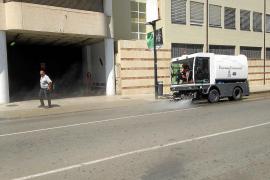 Los nuevos camiones de la basura de Vila no funcionan porque no está hecha la 'gasinera'