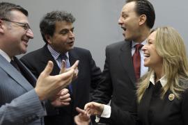 Jiménez consigue que la UE explore vías de acercamiento a Cuba propuestas por España