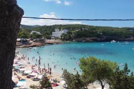 El PSOE de Sant Joan reclama zonas de baño adaptadas para personas con movilidad reducida