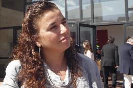 El Parlament reprueba a Pilar Costa por su ausencia durante el incendio de Eivissa