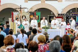 Santa Eulària celebra con devoción el primer Jubileo de las Cofradías