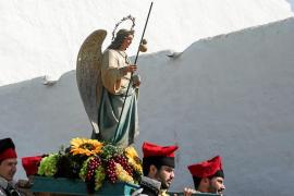 Un arcángel «con una vocación de servicio que todos debemos imitar»