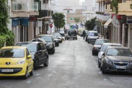 Imágenes de la detención de dos imanes en Sant Antoni por apoyar al Daesh
