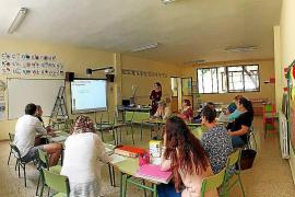 Charla en Sant Joan para formar a profesores de una niña diabética