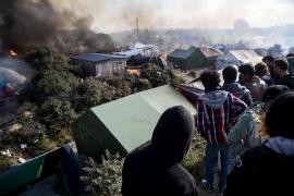 Francia declara evacuado el campamento de refugiados de Calais