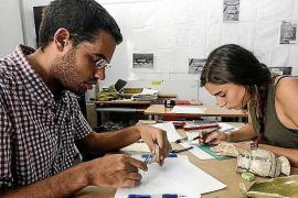 Vila clasifica cerámicas de época cristiana encontradas en Dalt Vila