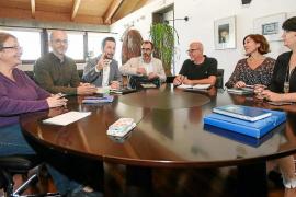 Vila advierte al Govern de que cerrará la puerta al alquiler de pisos a turistas