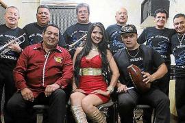 La banda colombiana Orquesta Dinamita actúa este sábado en SWAG