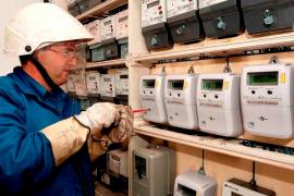 Las Islas tendrán a final de año 500.000 nuevos contadores de luz