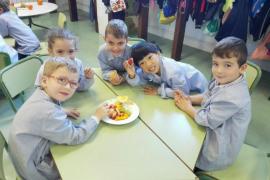 Tres de cada diez niños de Balears no comen fruta a diario