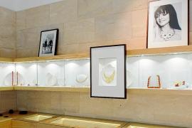 'Sobre piel y papel', la mejor selección de joyas y dibujos sobre Ibiza y Formentera