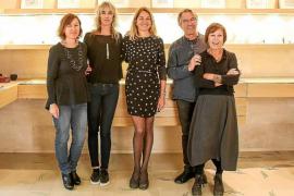 Enric Majoral y Hjordis Fogelberg fusionan joya y dibujo en 'Sobre piel y papel'