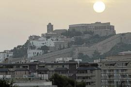 Denuncian robos y maniobras sospechosas en Dalt Vila aprovechando su despoblación