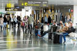 El aeropuerto de Ibiza registró en octubre 652.459 viajeros, un 33,2% más que el año pasado