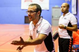 Félix Mojón, entrenador del HC Eivissa, durante un partido.
