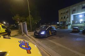 Una docena de internos se fugan del CIE de Murcia tras un motín