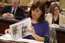 Armengol reclama al PP que «dejen de ensuciar la vida política»