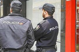 La Policía Nacional investiga si los cuatro detenidos por robar en el hotel El Corsario han cometido más golpes