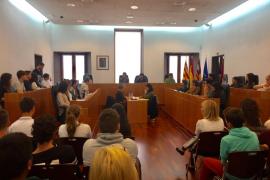 Aprobadas algunas de las propuestas de ocio de 60 alumnos en el Ayuntamiento de Ibiza