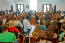 El botellón en la adolescencia centra el orden del día en el Pleno Juvenil de Vila