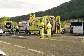 Permanece en la UCI el ciclista de 19 años herido tras un accidente en la carretera de Sant Josep